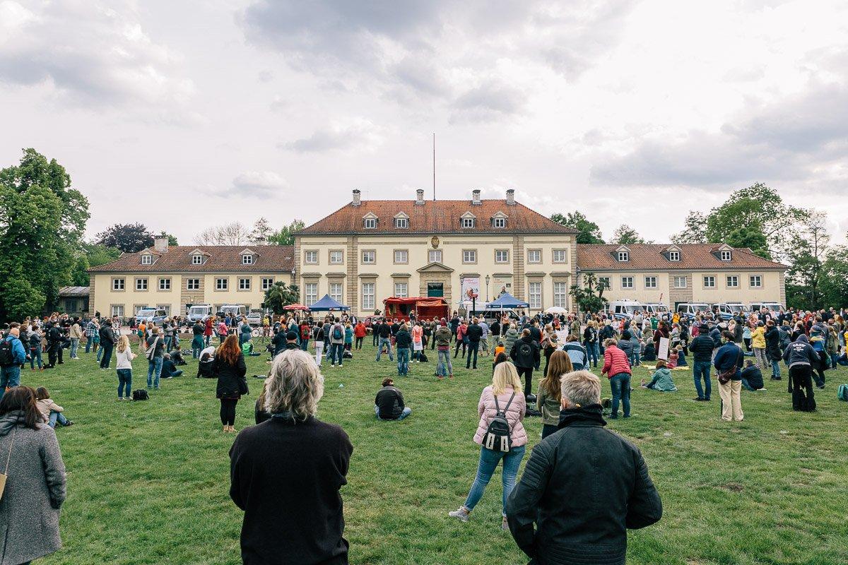 """""""Wir wachen auf"""" Kundgebung im Georgengarten am 16.05.20."""