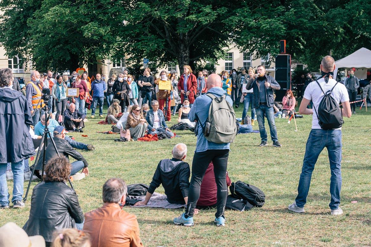 """Kundgebung von """"Wir wachen auf"""" Waterlooplatz am 23.05.20."""