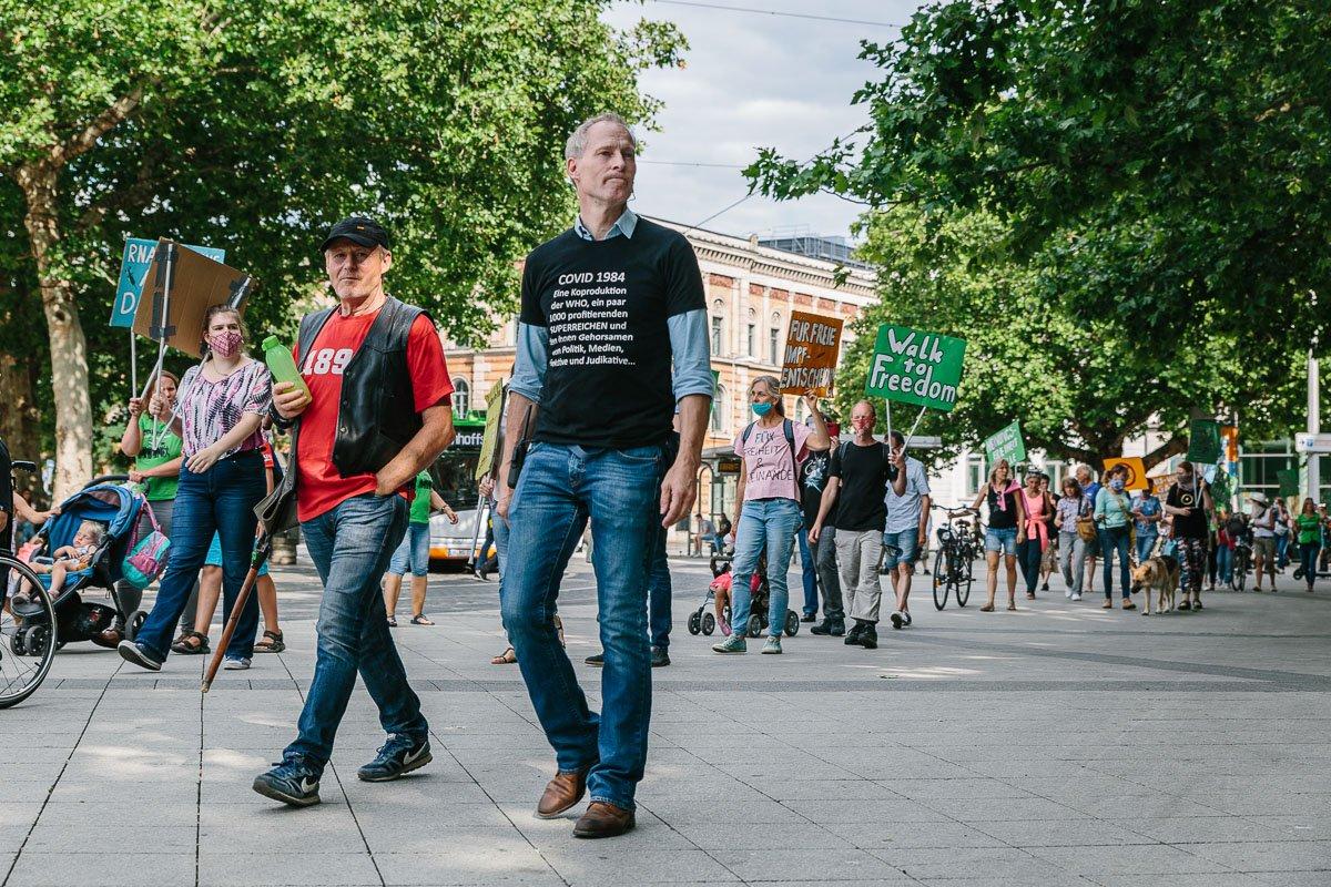 """Demonstration des """"Walk to freedom"""" am 18.07.20 in Hannoveraner Innenstadt."""